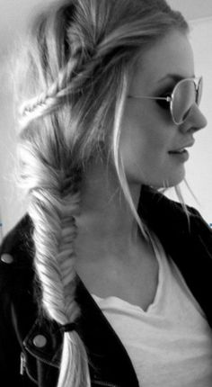 Adorable fish tail braid- sad thing that i look bad with my hair up Unique Braided Hairstyles, Pretty Hairstyles, Girl Hairstyles, Weave Hairstyles, Braided Updo, Wedding Hairstyles, Amazing Hairstyles, Wedding Updo, Unique Braids