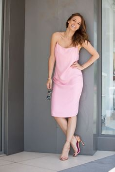 Flash sale: rochia furou care nu trebuie sa iti lipseasca din garderoba One Shoulder, Shoulder Dress, Shopping, Dresses, Fashion, Vestidos, Moda, Fashion Styles, Dress