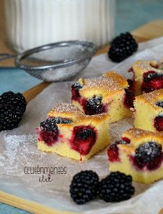 Gluténmentes joghurtos szedres kevert süti | Gluténmentes élet Paleo, Keto, Health Eating, Cake Cookies, French Toast, Vegan Recipes, Food And Drink, Sweets, Breakfast