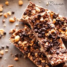 Chocolate Peanut Butter Granola Bar - A fast, no hassle, no bake homemade granola bar that your kids will love!