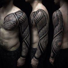 #ivan_hack #tattoo #dotwork #blackwork #mandala #geometry #fullsleevetattoo #vladbladirons