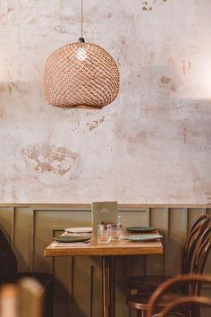 wear this there: grand café d'athènes. Bistro Interior, Cafe Interior, Shop Interior Design, Rustic Restaurant, Restaurant Lighting, Restaurant Design, Bistro Restaurant, Cafe Bistro, Cafe Bar