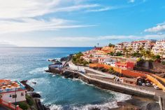 Tenerife is the most visited island of the Canary Archipelago, where tens of thousands of tourists from all over the world come every year. They love Tenerife f Honeymoon Cruise, Best Honeymoon, Cruise Vacation, Honeymoon Destinations, Holiday Destinations, Vacation Spots, April Vacation, Cruise Port, Winter Sun Holidays