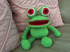 Amigurumi Frog made by Ann Brown - crochet pattern by Lovely Baby Gift