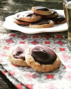 Sablés chocolat {sans gluten & sans lactose} – About Healthy Desserts Dessert Sans Lactose, Sans Gluten Sans Lactose, No Gluten Diet, Lactose Free Diet, Cookie Recipes, Snack Recipes, Dessert Recipes, Diet Recipes, Vegan Snacks