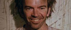 Filmausschnitt mit Nicholas Hope aus dem Film BAD BOY BUBBY (1993). Regie: Rolf de Heer. Erschienen bei Bildstörung auf DVD. Mehr zum Film auf unserer Webseite.