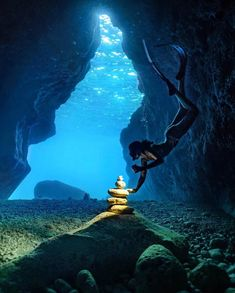 Bahamas: Diving And Water Adventures Underwater Caves, Underwater Life, Underwater Photos, Underwater Photography, Travel Photography, Girl Photography, Pesca Sub, Ocean Wallpaper, Under The Sea