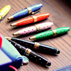 This Christmas make a gift for my friends will be easier thanks to the new Mipo Ballpoint Pens! I have just to pick the right color for every beloved one! #christmas #gifts #campomarzio #dots #colours