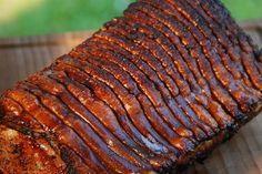 """In letzter Zeit einer meiner """"Standard"""" Sachen wenn Besuch vorbeikommt und das nicht nur weil es schnell und einfach vorbereitet und gegrillt ist, sondern weil jeder es mag. Vor allem ich ;)! Ihr braucht: – 2-3 kg Schweinerücken mit Schwarte – fürs Fleisch eine 1 zu 1 Mischung aus """"Pork …"""