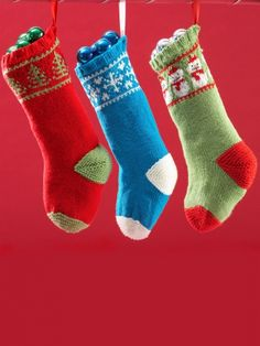 Deck the halls with these fun, festive stockings! #knit freebies, thanks so xox