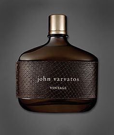 highly considering wearing mens cologne Womens scents never appeal to me This is one of my favorites Perfume And Cologne, Best Perfume, Perfume Bottles, Men's Cologne, Perfume Versace, Perfume Zara, Best Fragrance For Men, Best Fragrances, Perfume Collection