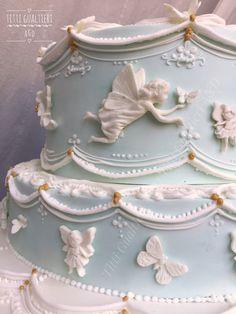 Torta fatine battesimo in Royal icing by Titti Gualtieri #tittigualtieri #royalicing #cakedesign #tortedecorate #ghiacciareake #tortabattesimo