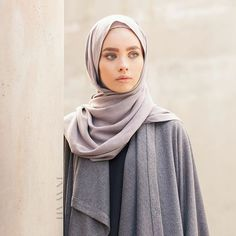 - Go minimal with style; recreate a hijab friendly look with our covetable range of winter friendly hijabs and outerwear. Muslim Women Fashion, Arab Fashion, Islamic Fashion, Modest Outfits, Modest Fashion, Uni Outfits, Niqab, Hijab Collection, Hijabi Girl