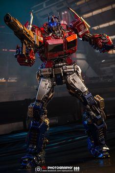 Original Transformers, Transformers Action Figures, Transformers Optimus Prime, Nemesis Prime, Cloverfield 2, Robot Cartoon, Iron Man Wallpaper, Iron Man Avengers, Super Robot