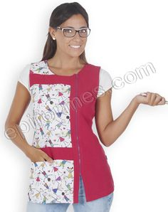 Blusa marionetas Confeccionada en Tejido plana de 100% poliester .Prenda semiajustada con un bolsillo interior y cremallera lateral abierta con pinzas en la espalda. Largo apróximado 75 Cm, Tallas: XS-S-M-L-XL-XXL - Teacher Apron, Sewing Blouses, Scrubs, Womens Fashion, Shirts, Dresses, English Lessons, Aprons, Patterns