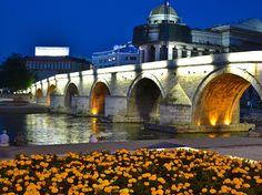 3 ημέρες οδικώς 1η μέρα : ΘΕΣΣΑΛΟΝΙΚΗ – Κρούσοβο – ΣΚΟΠΙΑ (380χλμ)Αναχώρηση στις 06:30 πμ από τα γραφεία μας. Φθάνουμε στα σύνορα στην Γευγελή, έλεγ