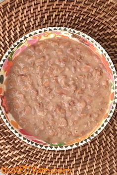 uthentic Mexican refried beans- with a SECRET INGREDIENT that makes all the… This authentic Mexican refried bean recipe cooks in the crock pot & has a SECRET INGREDIENT that makes all the difference! Authentic Mexican Recipes, Mexican Food Recipes, Mexican Desserts, Mexican Drinks, Drink Recipes, Cake Recipes, Mexican Snacks, Vegetarian Mexican, Dinner Recipes
