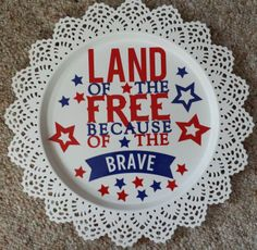 I cut this patriotic vinyl design with my zing and put it on this 15 inch Skurar Candle dish.