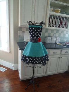 4RetroSisters Womens Apron   Annabelle Style  by 4RetroSisters, $37.50