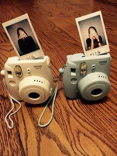 Polaroid Camera Pictures, Polaroid Camera Instax, Vintage Polaroid Camera, Polaroids, Instax Mini Ideas, Instax Mini 8, Fujifilm Instax Mini, New Instagram, Aesthetic Pictures