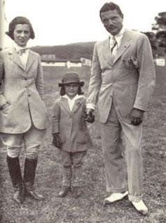 """Jacqueline Kennedy Onassis' father, """"Black Jack"""" Bouvier, was a specialist at Post Eleven during the stock market crash. Following the advice of his grand-uncle Michael Bouvier, a successful broker, Jack converted most of his stock holdings into cash before the Crash.  http://www.1929anupperclassaffair.com/players.html"""