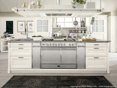 SOLID WOOD FITTED KITCHEN ENGLISH MOOD COLLECTION BY MINACCIOLO