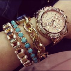 beautyyyyful -- I'm diggin the rise gold micheal kors watch