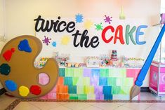 Vince and Chloe Art Attack Party - Sweets Art Themed Party, Art Party, Party Themes, Party Ideas, Joint Birthday Parties, Birthday Bash, Paint Splatter Cake, Kunst Party, Party Sweets