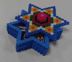 Cajitas para #regalos de #mandalas de #estrellas con #hamabeads midi #DIY #HOWTO #artesanía #manualidades #reciclaje