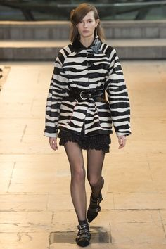 Isabel Marant Fall 2016 Ready-to-Wear Collection Photos - Vogue