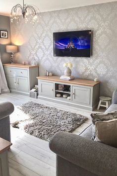 Take a look at how this customer has styled the Henderson Interiors Chelsea Glitter Damask Wallpaper in Soft Grey & Silv Living Room Ideas Uk, Living Room Decor Cozy, Living Room Goals, Elegant Living Room, Living Room Color Schemes, Living Room Grey, Living Room Inspiration, Home Living Room, Apartment Living
