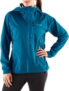 Stay dry in the new women's Stretch Rainshadow Jacket: It offers lightweight, packable, streamlined protection for a full range of motion in a full range of conditions. Patagonia Outdoor, Play Soccer, Range Of Motion, New Woman, Stretches, Rain Jacket, Jackets For Women, Big Sur, How To Wear