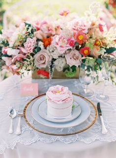 Girly spring tablescape: http://www.stylemepretty.com/2016/06/09/weve-found-the-girly-wedding-inspo-of-your-dreams/ | Photography: Caroline Tran - http://carolinetran.net/