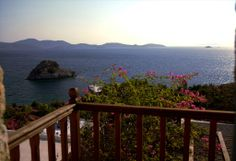Merope - The view of the sea from the big veranda is magical. Traditional House, Garden Bridge, Villa, Houses, Outdoor Structures, Sea, Luxury, Water, Homes