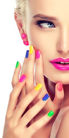 Hi guys don miss out this opportunity of getting a discount Farry Fashion offers Oriflame Beauty Products, Oriflame Cosmetics, Nail Polish Pens, Gel Nails, Go Feminin, Christmas Nail Polish, Beauty Makeup, Eye Makeup, Beauty Shoot