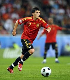 Fast goal covers all-round sports such as football, basketball, tennis, American. - Daily Sports News & Live Stream Fotball Channel Best Football Players, Football And Basketball, Soccer Fans, Spain Football, Spain Soccer, Soccer Match, Football Match, David Villa, Fernando Torres