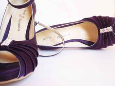 Zapatos Color Purpura, con aplicacion Pliegues y diamante