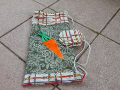 Tasche z.T. aus alter Tunika / Bag partly made from old tunic / Upcycling