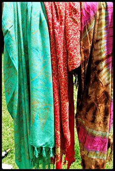 Sarong [How-Beautiful-Are-The-Feet.Blogspot.com]