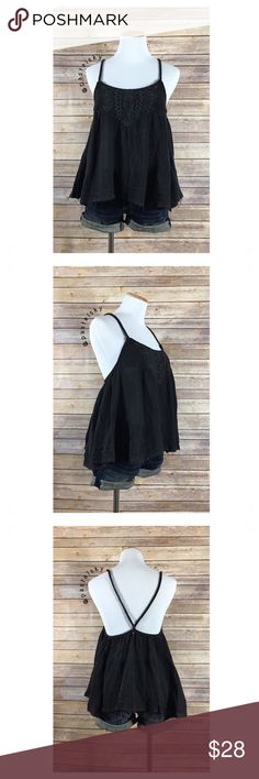 """🆕 BILLABONG frayed tank NEW with tags, never worn and in excellent condition. lose fit, frayed edges, comfortable and perfect for layering.  details ・small 