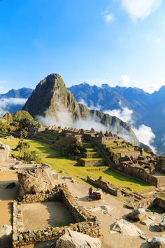 Visiting The Ancient Inca Site Of Machu Picchu, Peru Places To Travel, Travel Destinations, Places To Visit, Les Continents, South America Travel, Backpacking South America, Peru Travel, Best Hikes, Future Travel