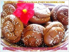 ΜΟΥΣΤΟΚΟΥΛΟΥΡΑ ΜΑΛΑΚΑ!!! Greek Sweets, Greek Desserts, Greek Recipes, My Recipes, Cookie Recipes, Dessert Recipes, Greek Cake, Greek Cookies, Cookies Soft