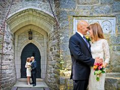fairy tale castle wedding at Hammond Castle Gloucester, MA #CapeAnn #Wedding http://briannaphotography.com/blog/?load%2Fblog_detail%2Fpage%2F88457%2Fitem%2F1517%2Fvaughan-verga-wedding----hammond-castle--gloucester--ma----cape-ann-wedding-photographer