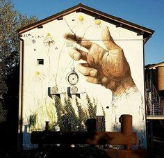 by Daniele Castagnetti in Reggio Emilia, Italy, 10/16 (LP)
