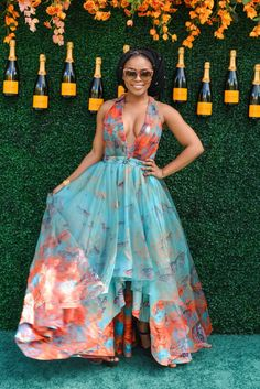 June marked the tenth annual Veuve Clicquot Polo Classic. Checkout the 10 Best Looks from the Tenth Annual Veuve Clicquot Polo Classic: Polo Classic, Classic Style Women, Classic Outfits, Classic Dresses, Casual Outfits, Classic Fashion, Summer Outfits, Event Dresses, Nice Dresses
