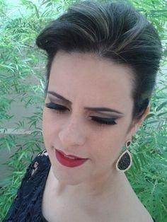 Penteado e maquiagem / por Evelin Sales Cordeiro