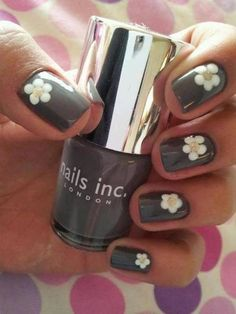 27 Simple and Cute Nail Art Ideas - Style Motivation