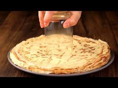 Od dzisiaj serwuję naleśniki tylko w taki sposób! Amaretti Cookie Recipe, Amaretti Cookies, Cookie Recipes, Dessert Recipes, No Cook Desserts, Russian Recipes, Food Cakes, Cake Pops, Deserts