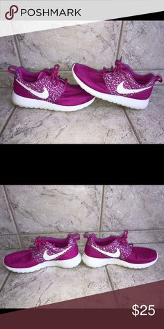 d57bf3943968 NEW Women s Nike Air Huarache Ultra Size 9