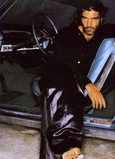 Antonio Banderas - YOWZA ... get into my car!